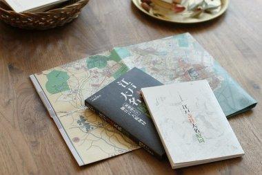 「江戸寺社大名庭園」は、いまの東京と江戸の地図がセットになった、いわば歴史散策のための本です。