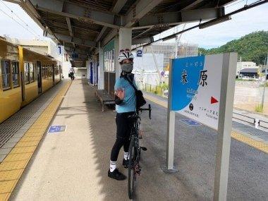 近江鉄道サイクルトレインは分解せずそのまま自転車を積み込めます。