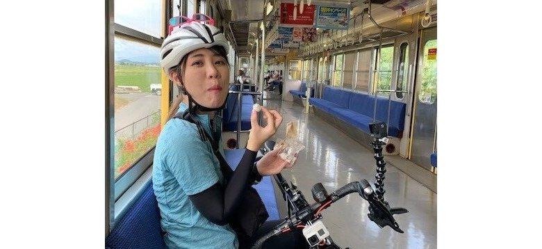 近江鉄道サイクルトレイン車内でくつろぐ
